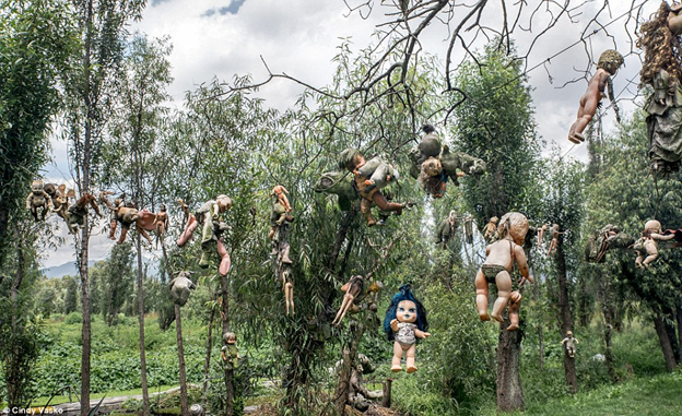 island-of-the-dolls-mexico