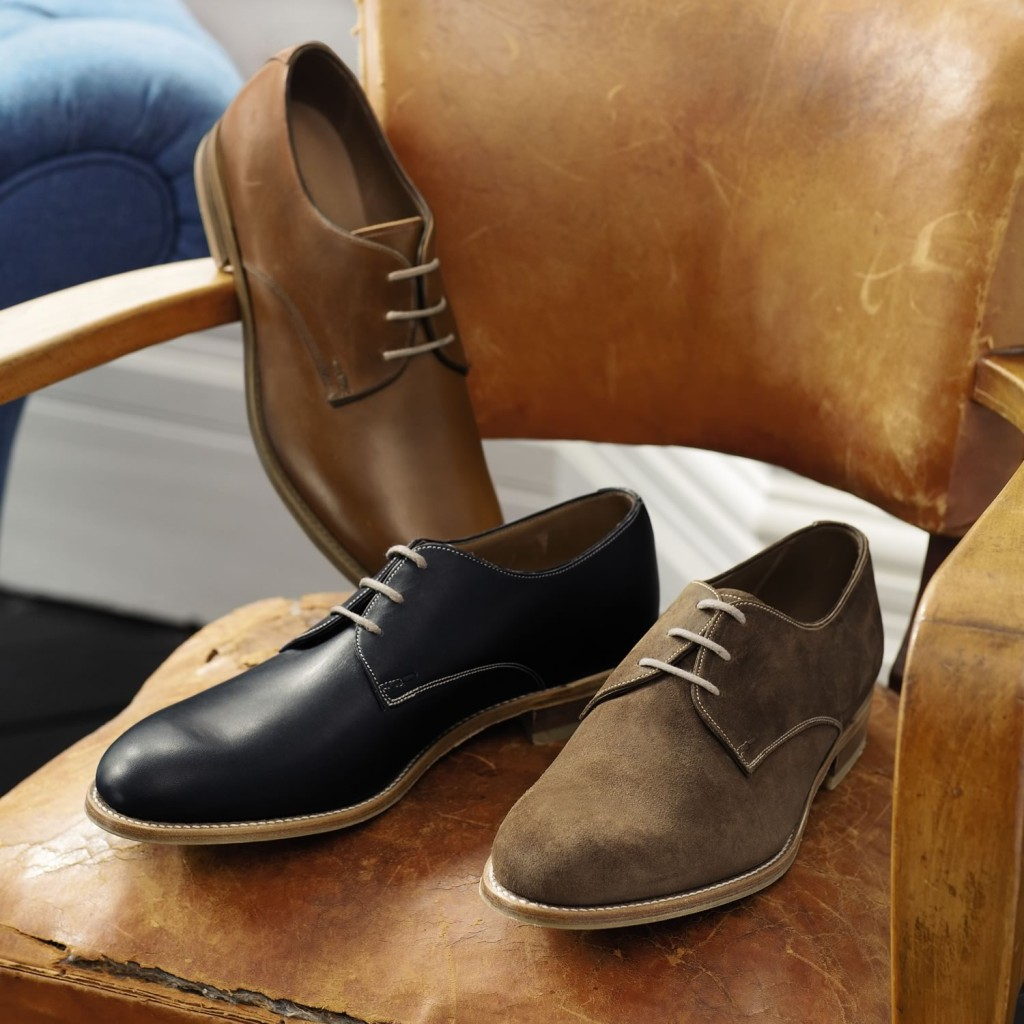 Derbies - Conventional dress shoes avec an open-faced lacing system