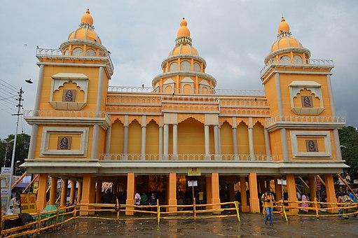 visiting-maddox-square-during-durga-puja-kolkata