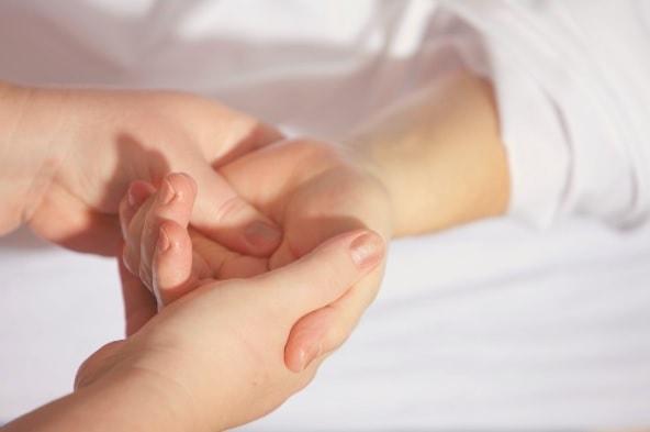 wrist pain management tips
