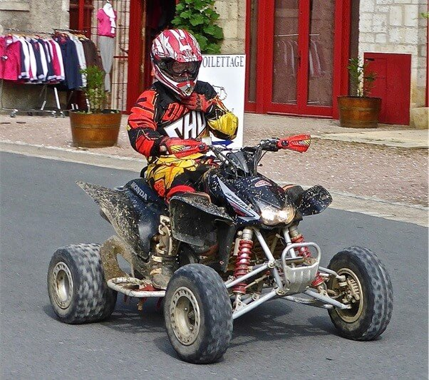 tips for riding quad bikes on roads