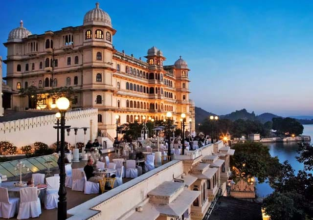 fateh prakash palace tourist attractions in udaipur