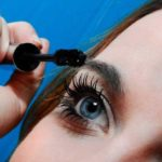 How to Choose Your Mascara Based on the Wand's Brush?