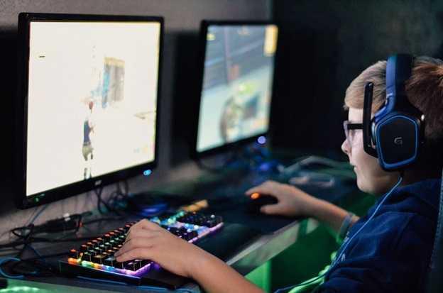 crowdfunding gaming platform