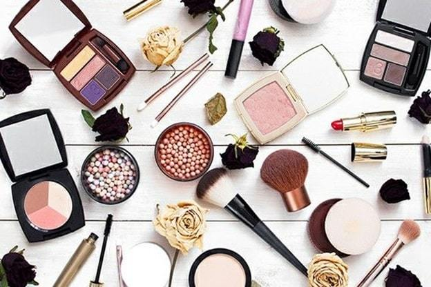 skincare and makeup subscription