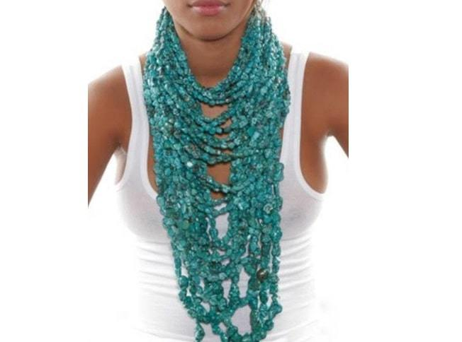 bulky necklace with color
