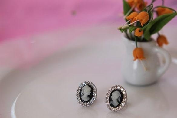 stud earrings jewelry