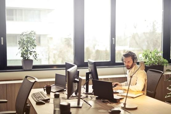 open plan office layouts